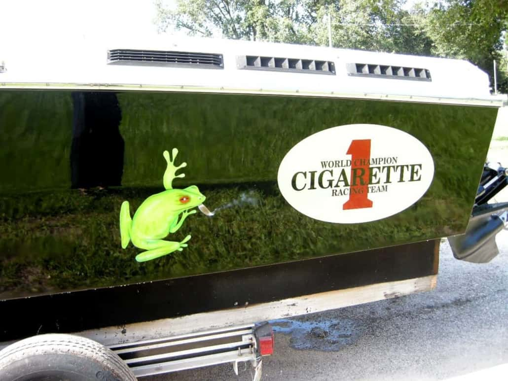 Paint-by-Chester-Cigarette-Racing-Team