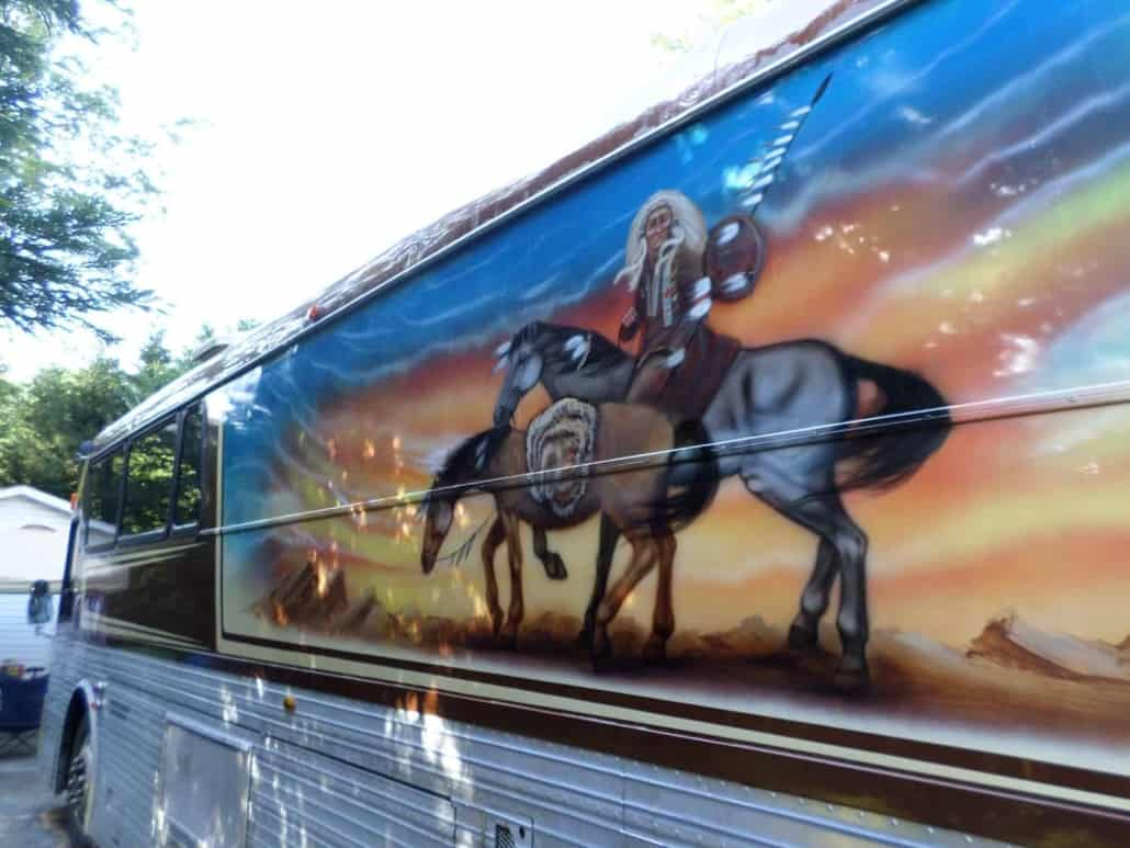 Paint-by-Chester-Willie-Nelson-Tour-Bus-5